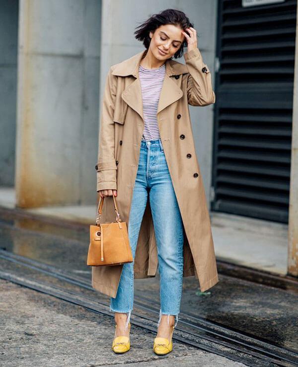 Бежевый тренч с джинсами
