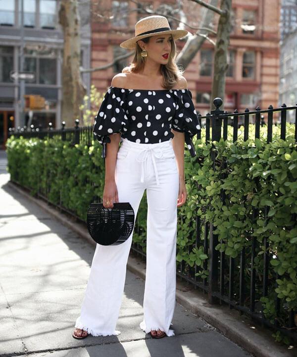 С чем носить белые джинсы трубы